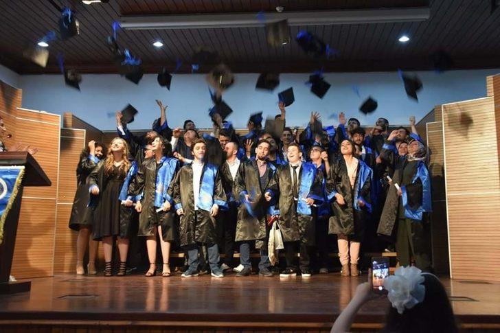 Ankara Üniversitesi Nallıhan Meslek Yüksekokulu mezunlarını verdi