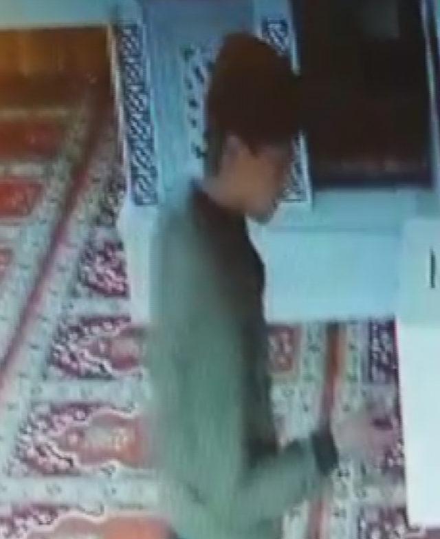 Camilerden çaldığı paraları internet kafede harcarken yakalandı
