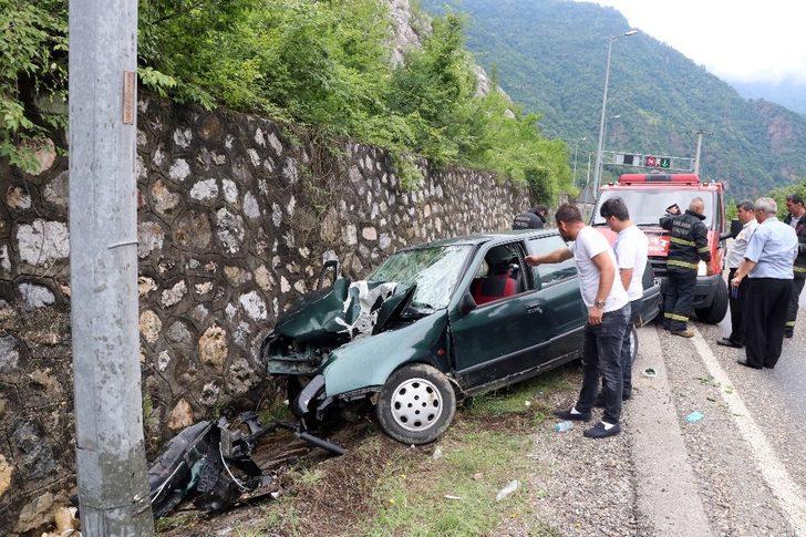 Karabük'te trafik kazası: 1'i ağır 3 yaralı