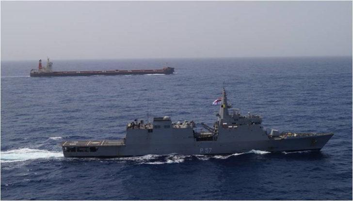 Hindistan, Umman Körfezi'ne iki savaş gemisi sevk etti
