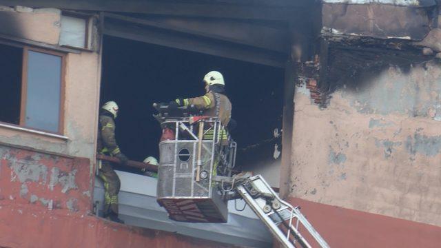 Ek fotoğraflar//Büyükçekmece'de fabrika yangını: 4 ölü