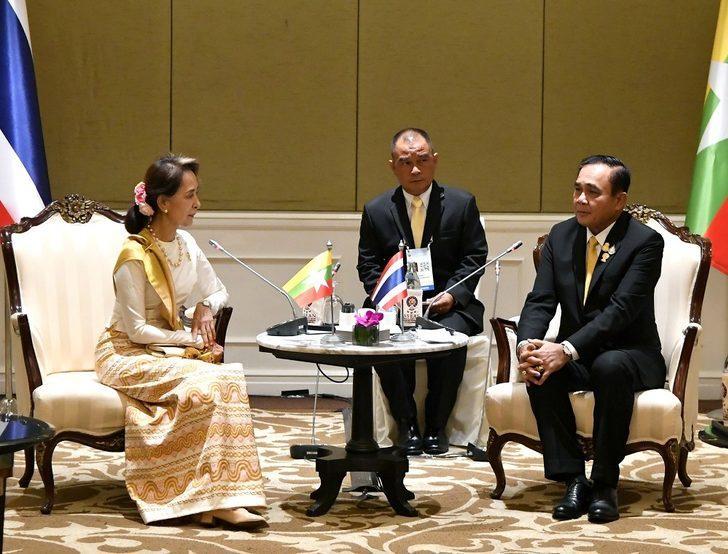 Güneydoğu Asya liderleri Bangkok'ta bir araya geldi