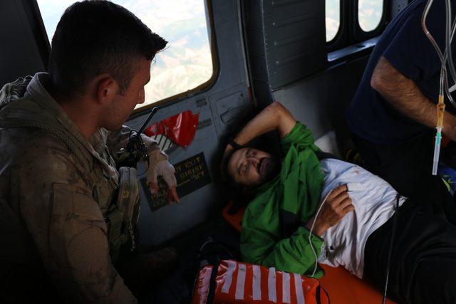 Ayı saldırısına uğrayıp, helikopterle alınan dağcının sağlık durumu iyi