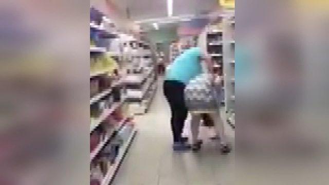 Kadın müşteriye, hemcinsi market çalışanından şiddet