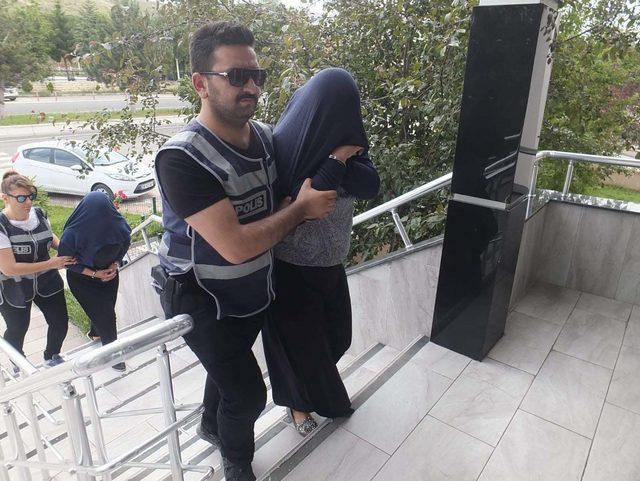 17 bin liralık ziynet eşyası bulunan çantayı çalan 3 kişi tutuklandı