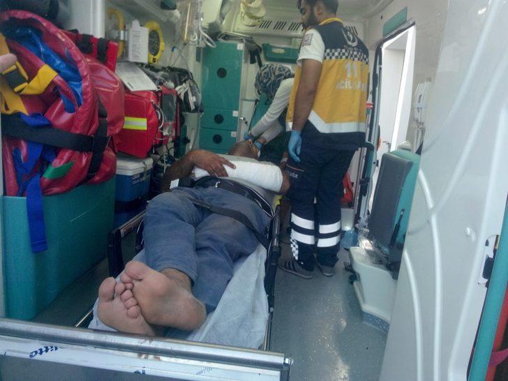 Kamyon şoförünü döven 2 polis, adliyeye sevk edildi