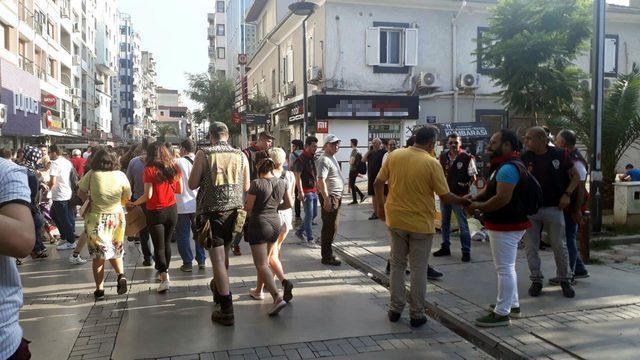 İzmir'de yasağa rağmen yürüyen LGBTİ'lilere müdahale