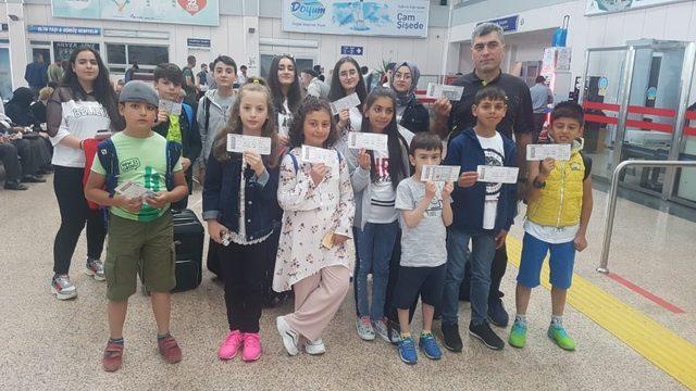 Aslı Nemutlu'nun ailesi genç kayakçıları İstanbul'da misafir etti ile ilgili görsel sonucu
