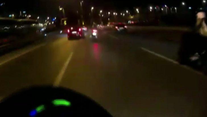 Üsküdar'da otomobilin motosikletlilere çarptığı kaza kamerada: 1 ölü 2 yaralı