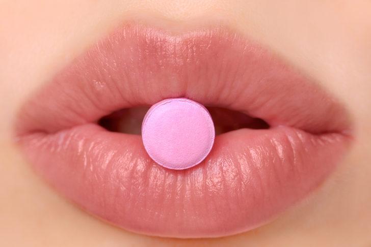 Bu ilaç kadınların yatak hayatını kökten değiştirecek!