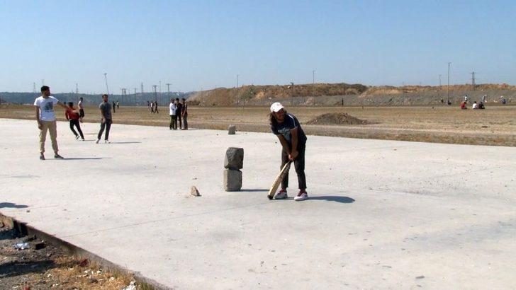 (Özel) İstanbullu seçime gitti, onlar 'kriket' oynadı