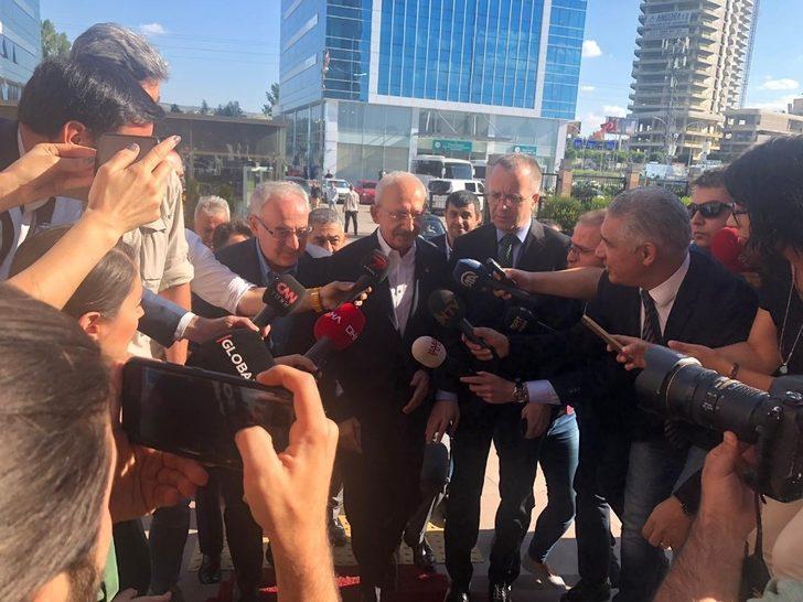 Kılıçdaroğlu CHP Genel Merkezi'ne giriş yaptı
