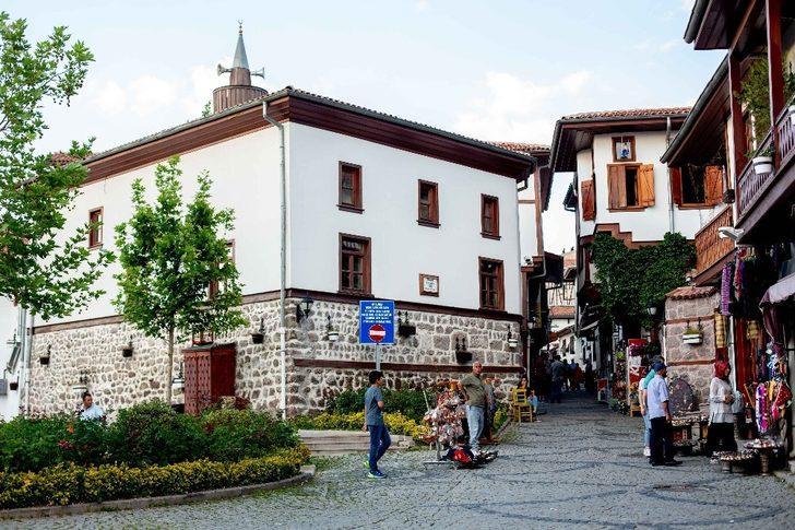 Büyükşehir Belediyesi, Başkent'in tarihine sahip çıkıyor
