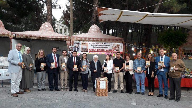 Manisa'da 93 yaşındaki yazar okuyucularıyla buluştu