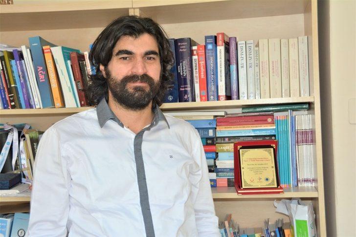 """Doç. Dr. Abdullah Atlı: """"Uyuşturucu kullanımı halk sağlığı için büyük bir tehdit oluşturuyor"""""""