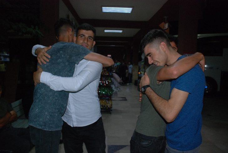 Tokat'ta askerlerin erken terhis sevinci