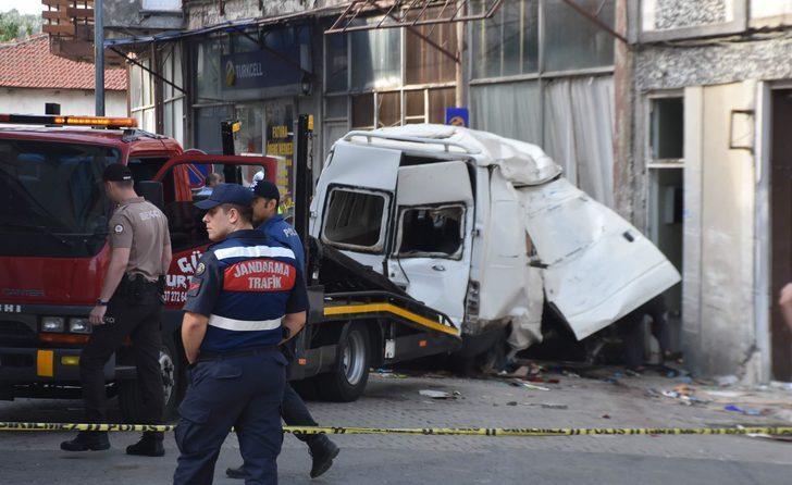 10 göçmenin öldüğü kazada minibüsün şoförü: Ehliyetim olmadığı için kaçtım