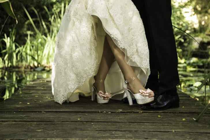 'Ayağına basayım, evde sözüm geçsin' inanışı evlilikte güç savaşına mı dönüşüyor?