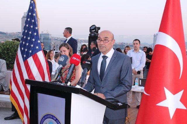 Özgener, ABD'li iş insanlarını İzmir'e davet etti