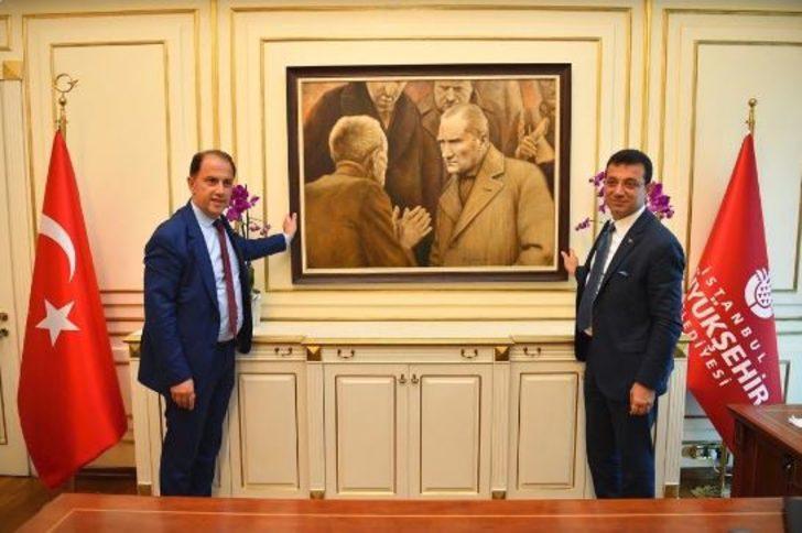 AK Partili Ahmet Hamdi Çamlı'nın İBB'deki Atatürk tablosu yorumu tartışma yarattı