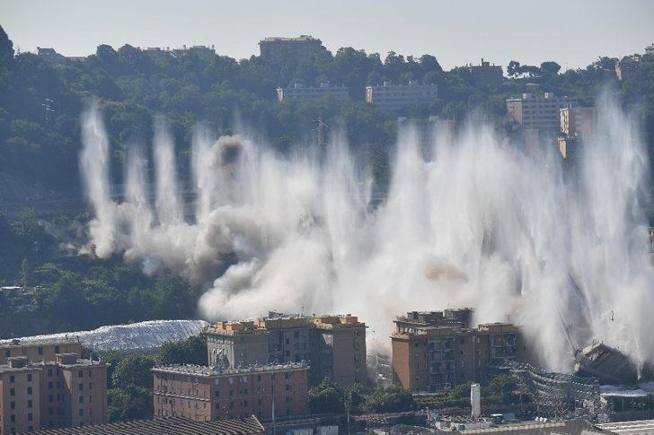 İtalya'da 43 kişiye mezar olan köprü kontrollü şekilde yıkıldı