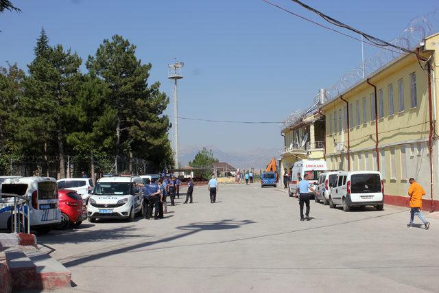 Karaman Cezaevi'ndeki isyan alarmı, tatbikat çıktı