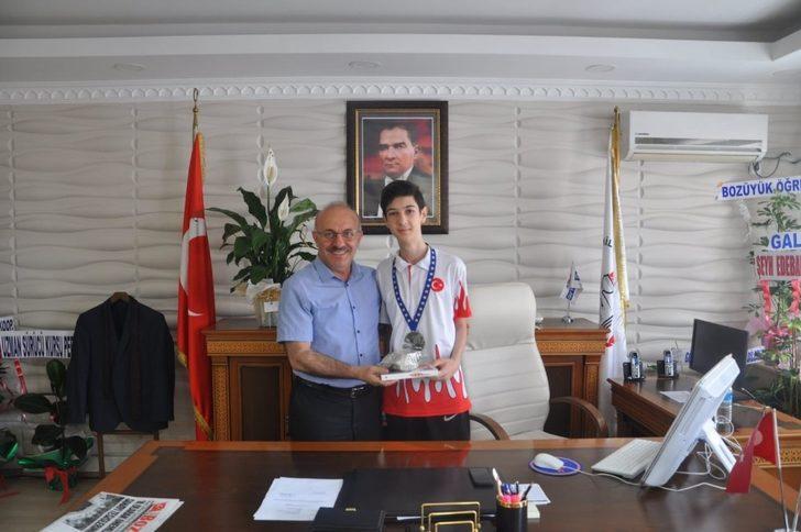 Dart Şampiyonasında Avrupa ikincisi oldu
