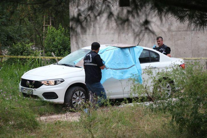 İstanbul'daki kadın cinayeti şüphelisi Kocaeli'deki kovalamaca kafasına sıktı