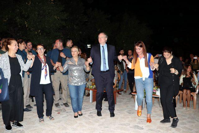 Akdamar Adası'nda çok dilde konser