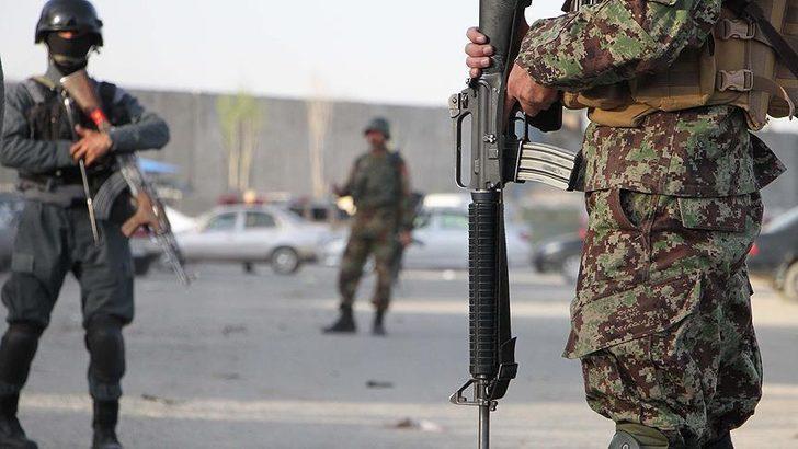 Afganistan'da korucu karakoluna saldırı! Çok sayıda ölü var
