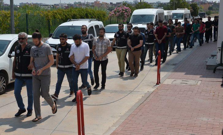 Adana merkezli FETÖ operasyonunda 32 şüpheli adliyede