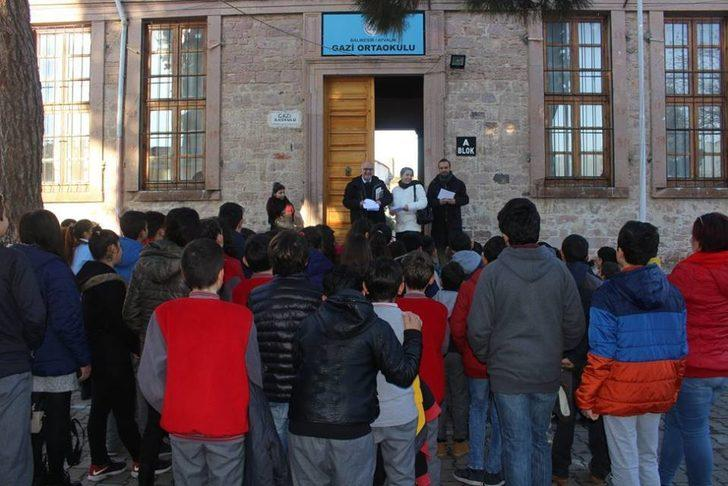 Ayvalık'ın tarihi 2 okulu kapanıyor