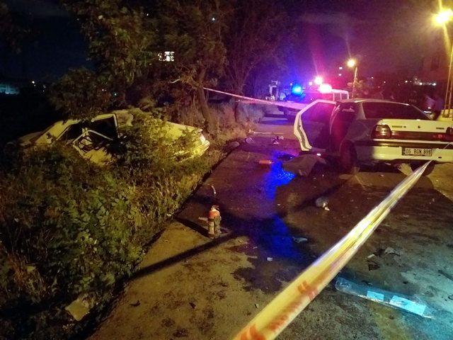 Ankara'da iki otomobil çarpıştı: 4 yaralı