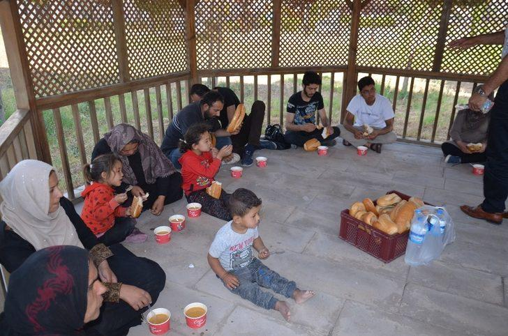 Hatay'da 23 kaçak göçmen yakalandı