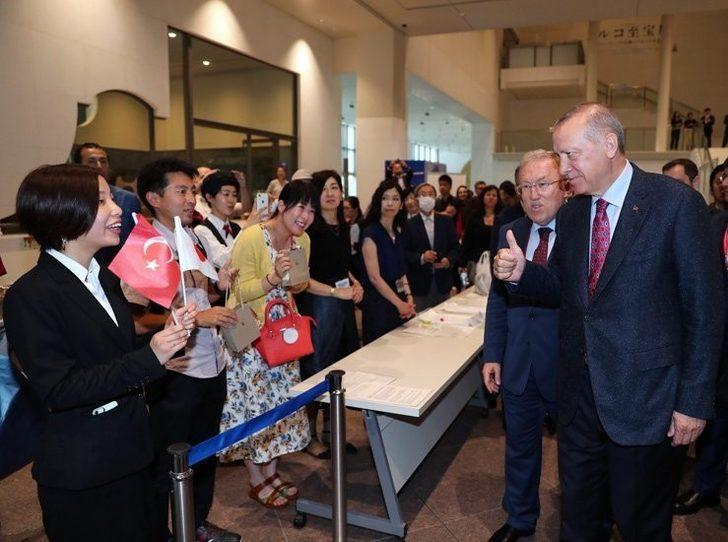 Cumhurbaşkanı Erdoğan ve Kültür ve Turizm Bakanı Ersoy Lale Geleneği sergisini ziyaret etti