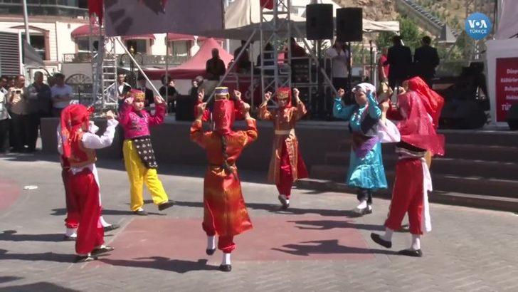 Türk Çocuklar ve Mülteci Akranları Folklor ile Kaynaştı