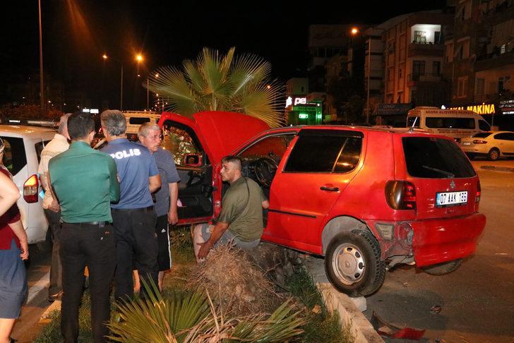 Makas atan araç otomobile vurup kaçtı