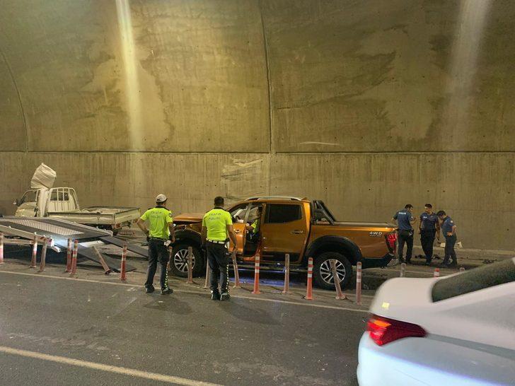 Pendik'te tünelde feci kaza: 2'si ağır 5 yaralı (1)