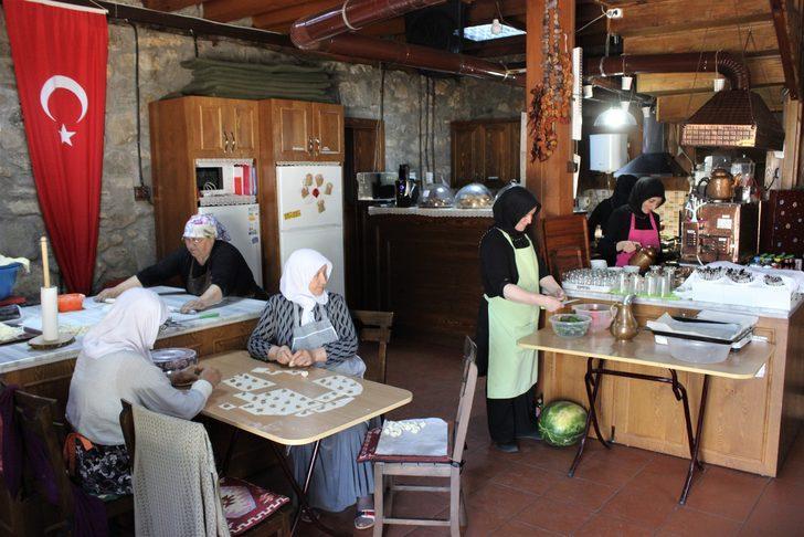 Köylü kadınların açtığı kafe Türkiye'nin her yerinden ziyaretçi çekiyor