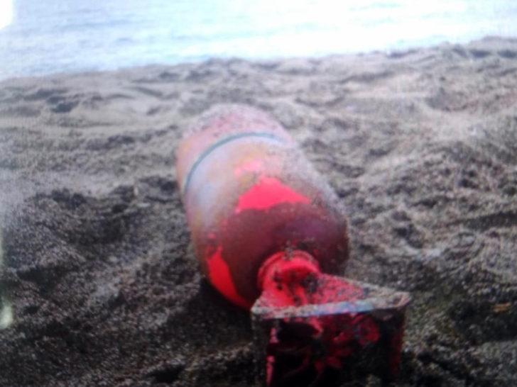 Sakarya'da sahile denizaltı bombası vurdu