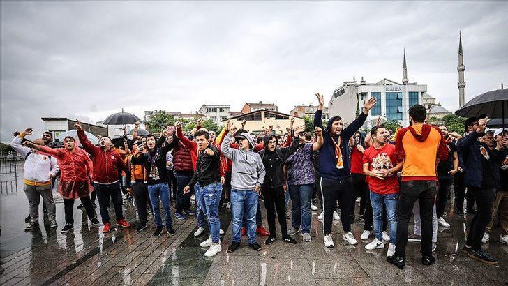 Galatasaray taraftarından protesto