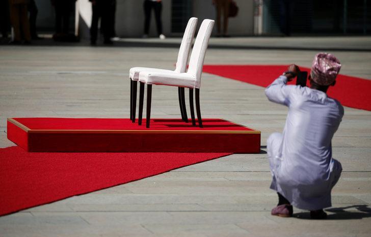 Merkel'in titreme nöbetine özel önlem