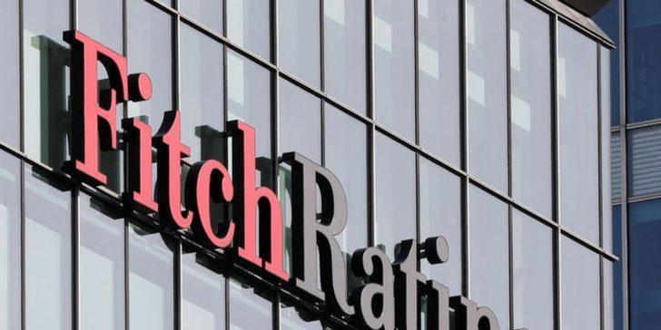 Fitch, Türkiye'nin kredi notunu indirdi!