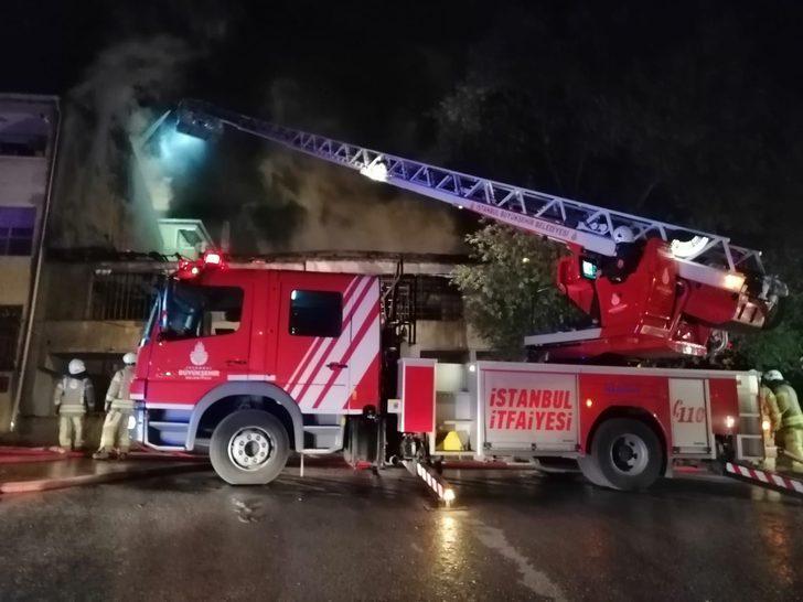 İstanbul'da korkutan yangın! Gören sokağa fırladı