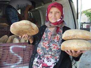 30 yıl önce evinde ekmek yapıyordu, şimdi 3 fırını var