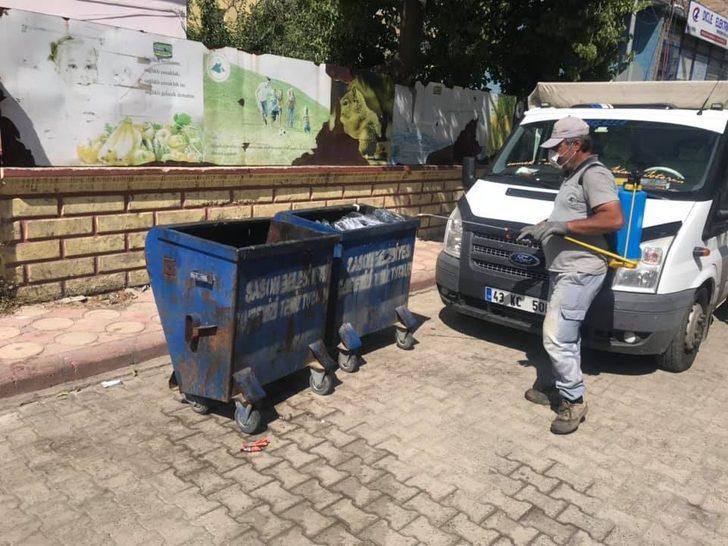 Sason'da çöp konteynerleri dezenfekte edildi