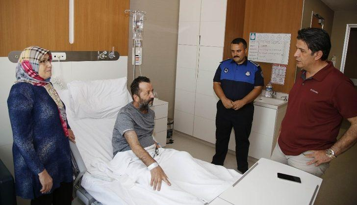 Başkan Genç, tedavi gören zabıta memurunu ziyaret etti