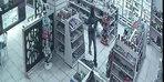 Akaryakıt istasyonunda pompalı ve kar maskeli gasp kamerada