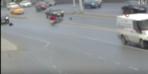 Motosikletliye çarpıp böyle kaçtı