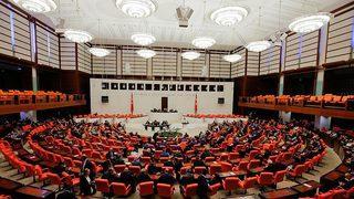 Meclis'te kabul edildi! 6 ay uzatıldı